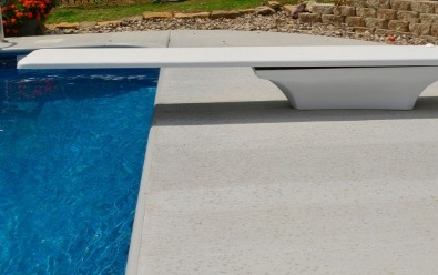 Diving board for swimming pool