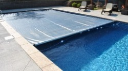 Automatic Pool Cover, Great for families with small children